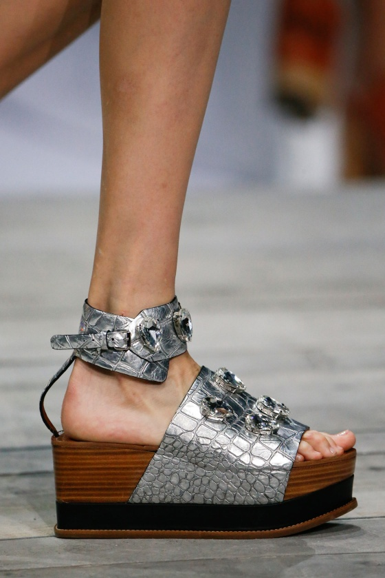 spring-2015-runway-statement-shoes_03