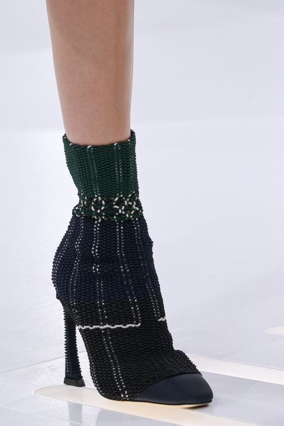spring-2015-runway-statement-shoes_08