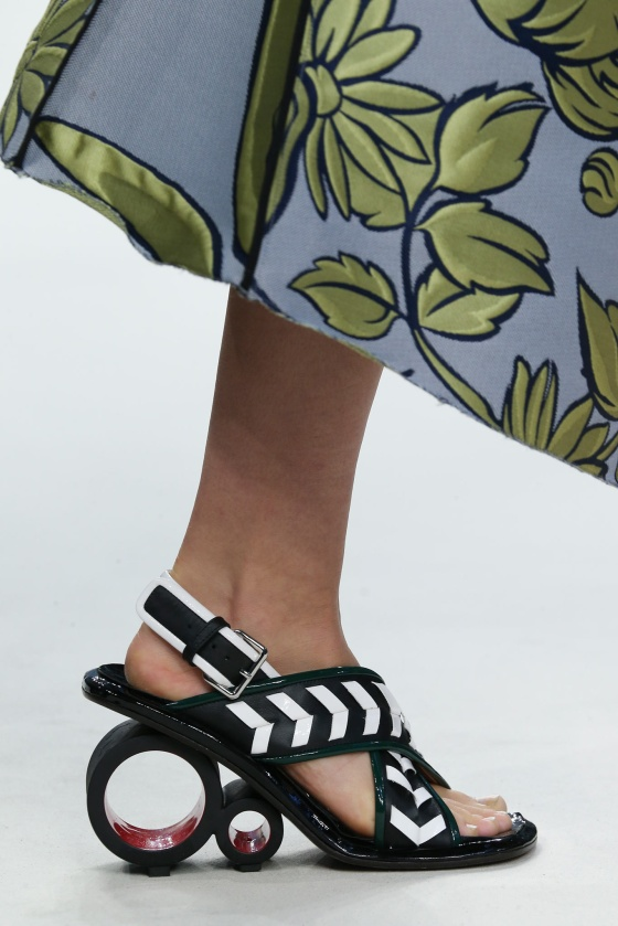 spring-2015-runway-statement-shoes_20