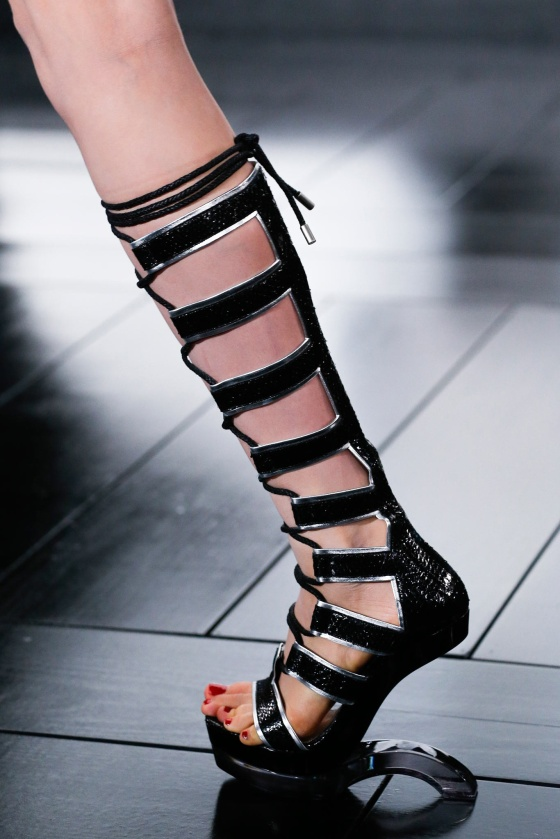 spring-2015-runway-statement-shoes_21